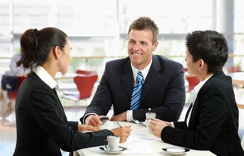 【対談】人気キャバ嬢に聞いた!「会話が続かない」を解消する雑談力・会話力