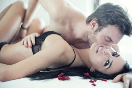 関係再構築にもなる!?男性が気持ちいいセックスのコツ5選