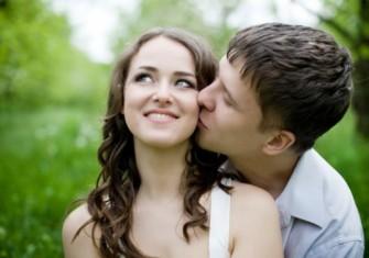 社内恋愛・職場恋愛で彼氏を作るきっかけと注意点~職場でイチャイチャはNG~