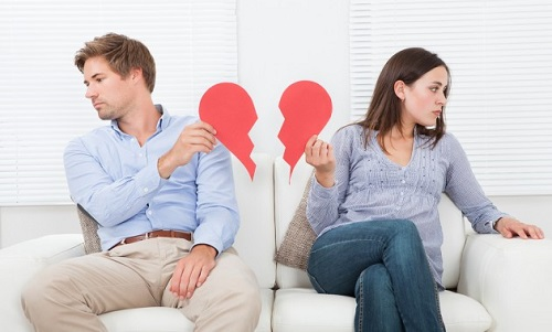 bigstock-Couple-Ignoring-Each-Other-On-69570238-630x380